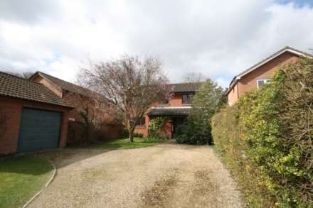 4 Bedroom Detached, Thorntree Drive, Tring