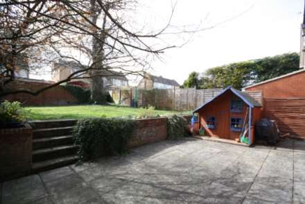 Thorntree Drive, Tring, Image 7