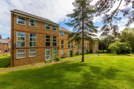 Lincoln Court, Berkhamsted