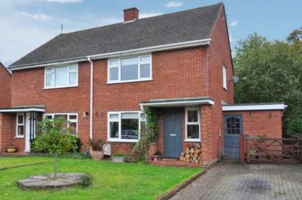 2 Bedroom Semi-Detached, Trooper Road, Aldbury