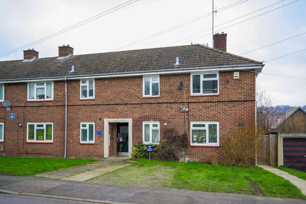Loxley Road, Berkhamsted, Image 1