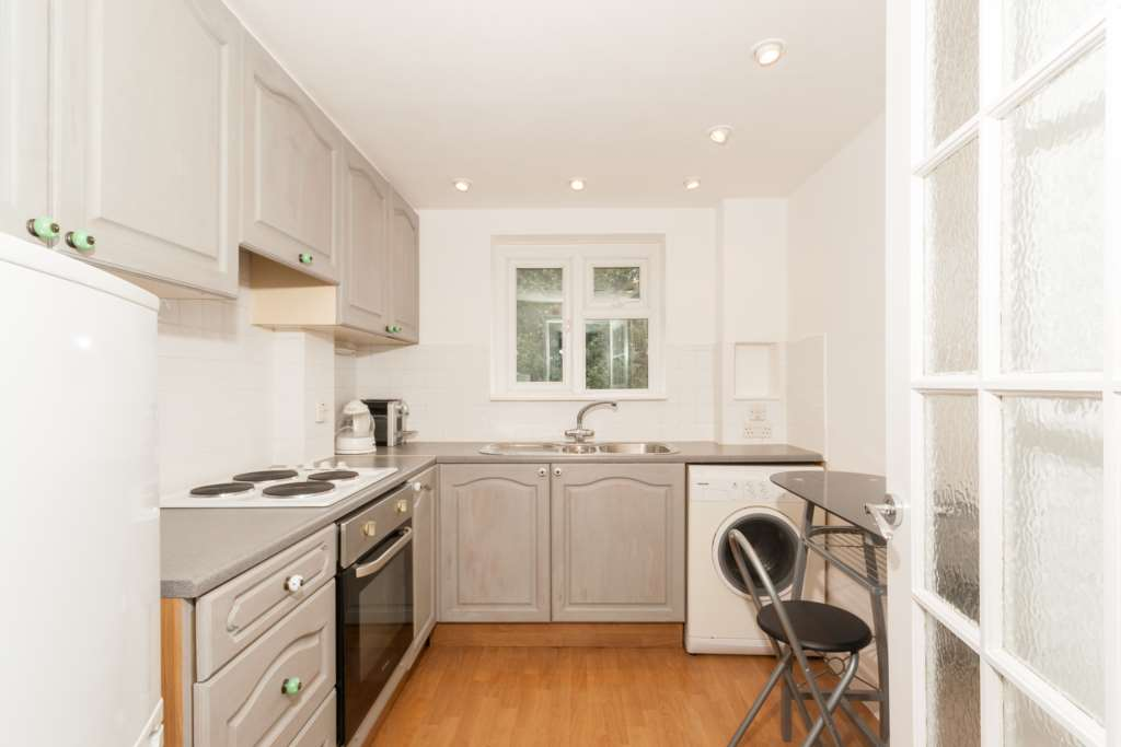 Loxley Road, Berkhamsted, Image 4