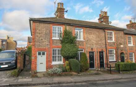 2 Bedroom End Terrace, Manor Street, Berkhamsted