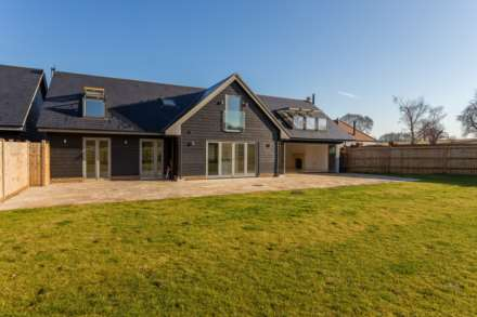 5 Bedroom Detached, Pendley Farm, Tring