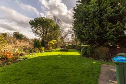 Waterside, Edlesborough, Image 10