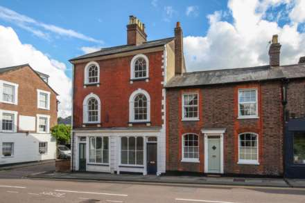 3 Bedroom Terrace, Castle Street, Berkhamsted