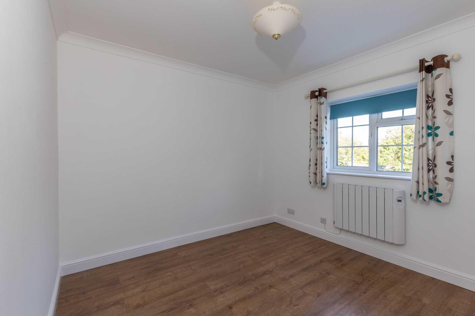 Jarvis Close, Aylesbury, Image 9