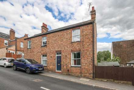 2 Bedroom Detached, Paxton Road, Berkhamsted