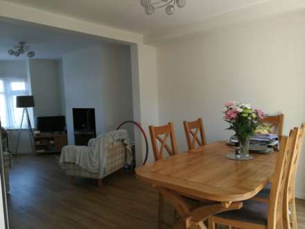 3 Bedroom Semi-Detached, LET AGREED
