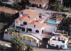5 Bedroom Detached, Stunning villa by the sea set in Funchal, Madeira.