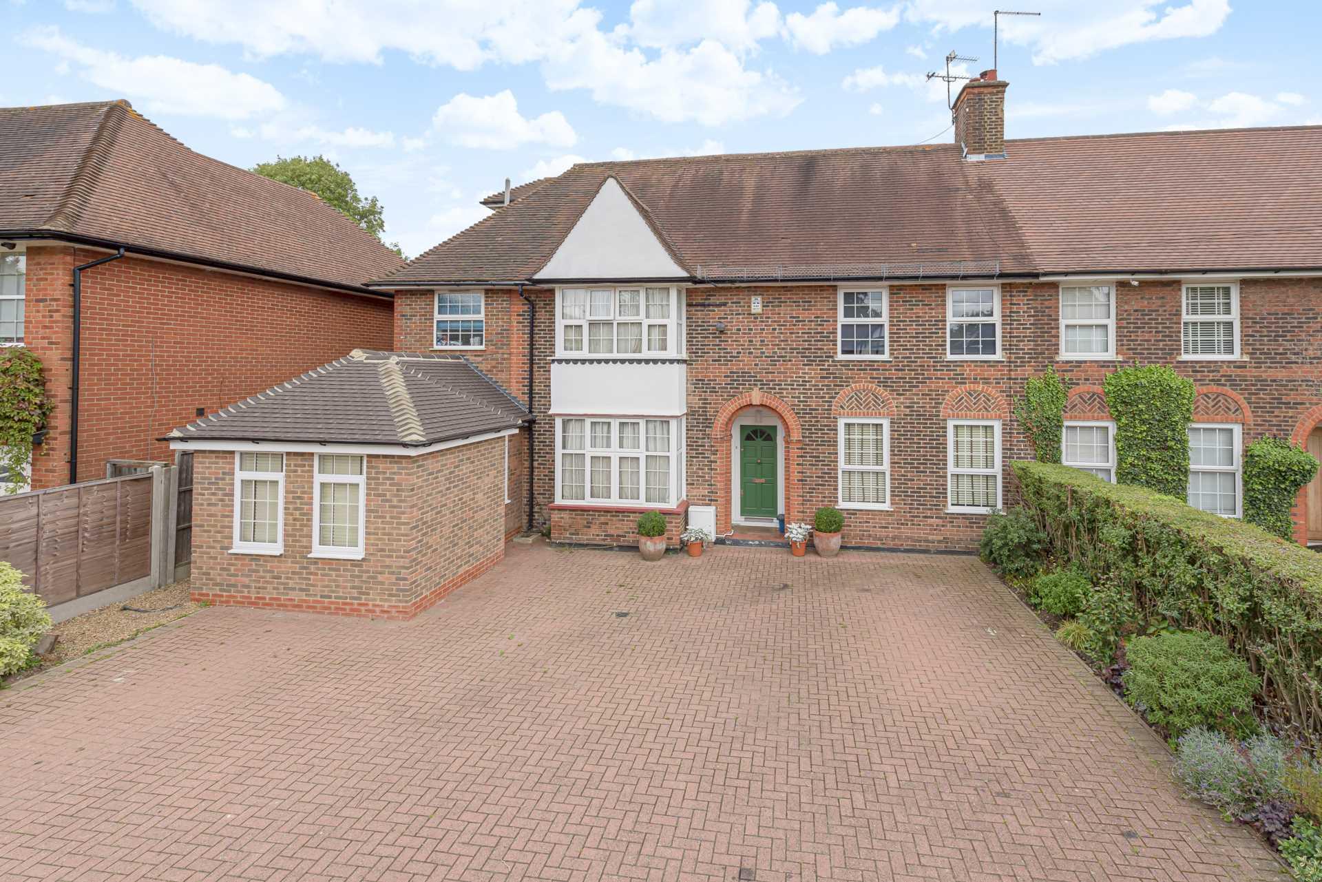 Deacons Hill Road, Elstree, Image 1