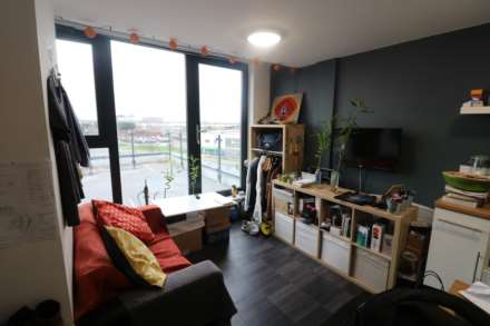 1 Bedroom Studio, ROOF TERRACE St Cyprians Edge Lane, Edge Hill