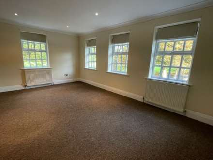 Carnatic Court, Mossley Hill, Image 7