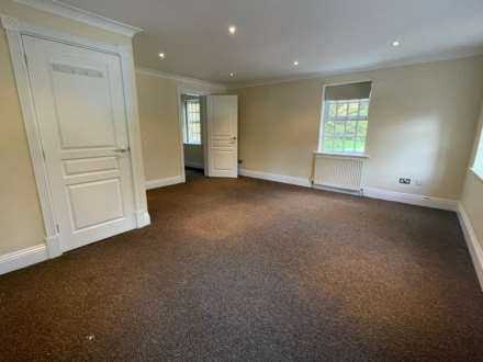 Carnatic Court, Mossley Hill, Image 8