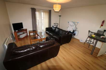 2 Bedroom House, Chancellor Court, Liverpool **No student application fees**