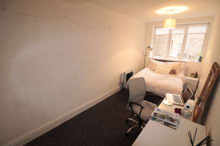 3 Bedroom Apartment, Huskisson Street, Liverpool