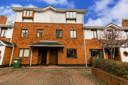 3 Bedroom Terrace, 16 Temple Square, Dartry, Dublin  6