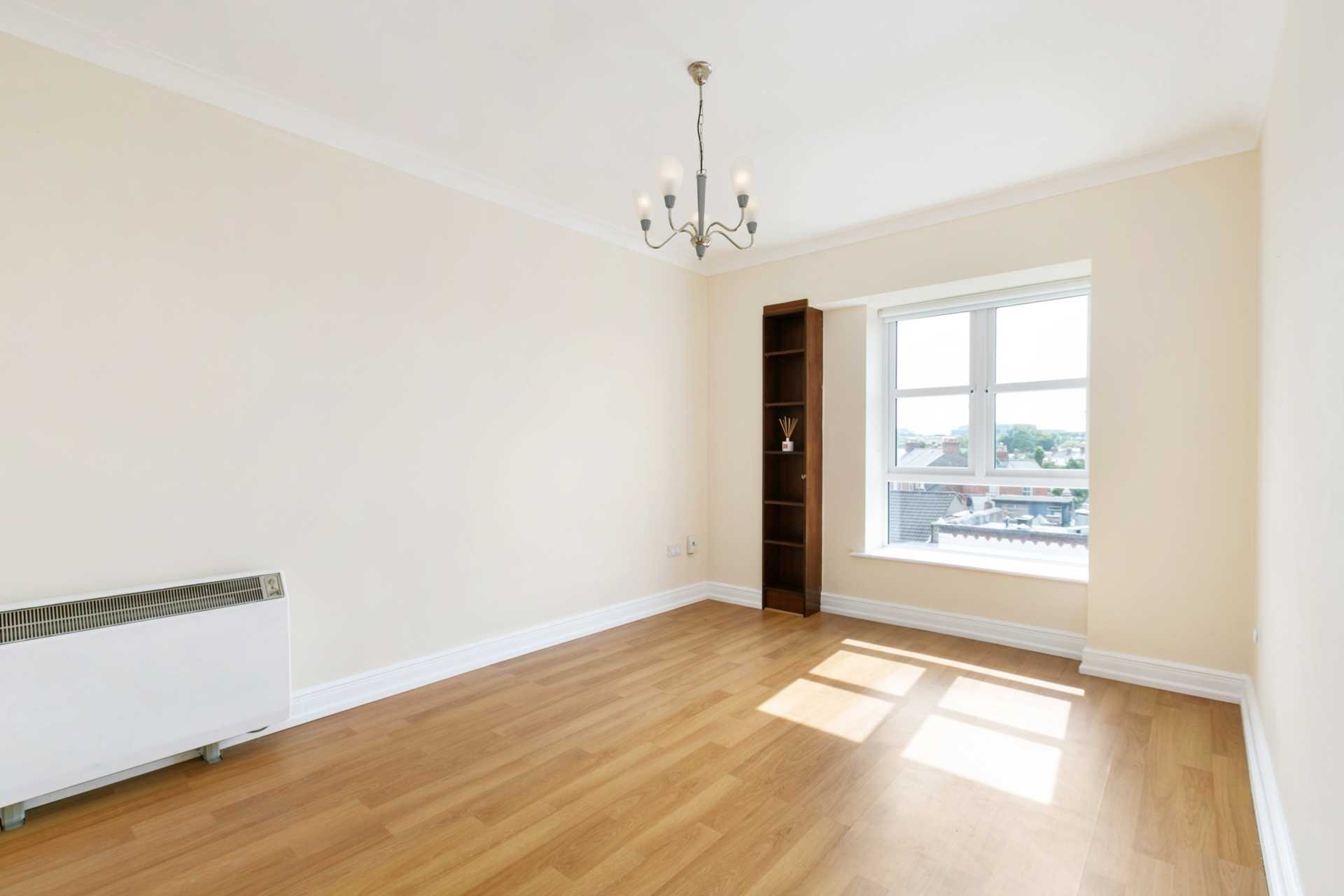 12 Greenville Place, Clanbrassil Street, Dublin 8, Image 2