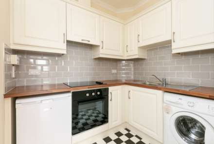 12 Greenville Place, Clanbrassil Street, Dublin 8, Image 4