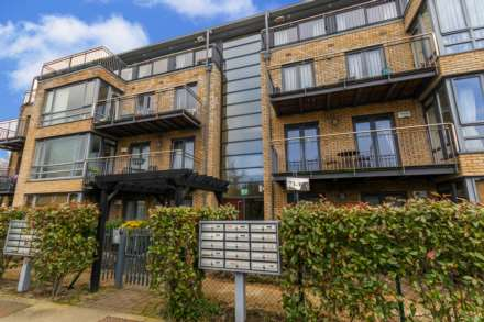 100 Priory Court, Eden Gate, Delgany, Image 1