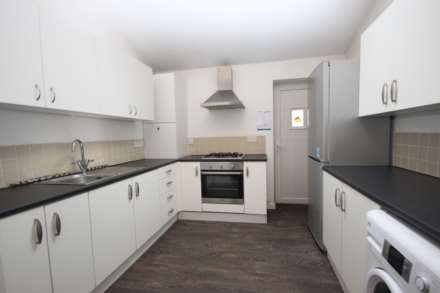 5 Bedroom Room, Oxney Road, Rusholme, Manchester M14 5SZ