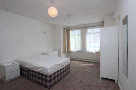 6 Bedroom Semi-Detached, Hamilton Road, Reading