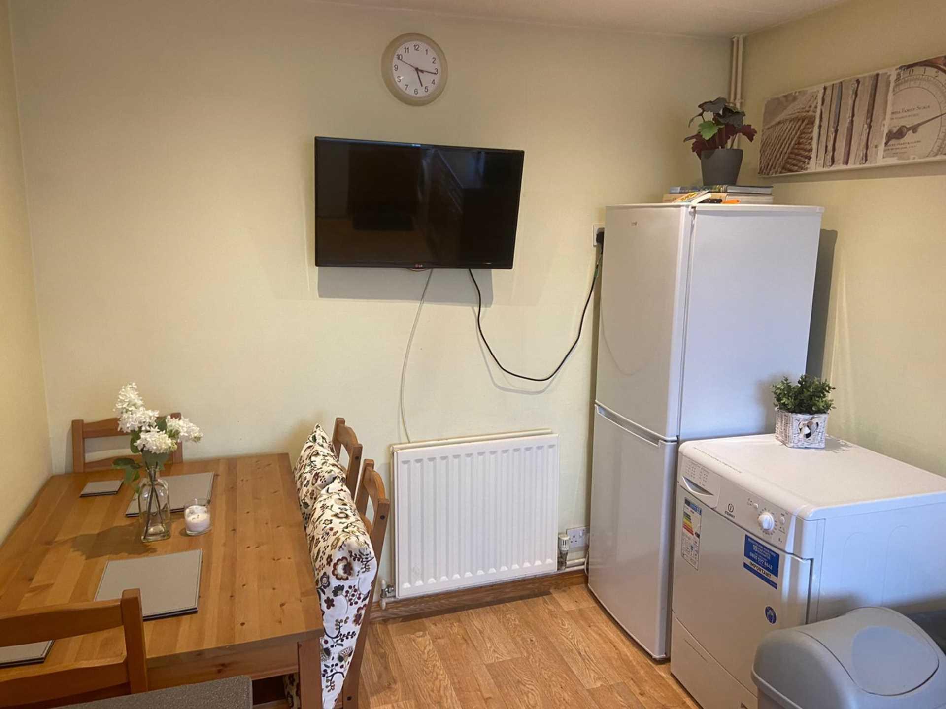 Room 4, 1 Windsor Close, Onslow Village, Guildford, GU2 7QU, Image 10