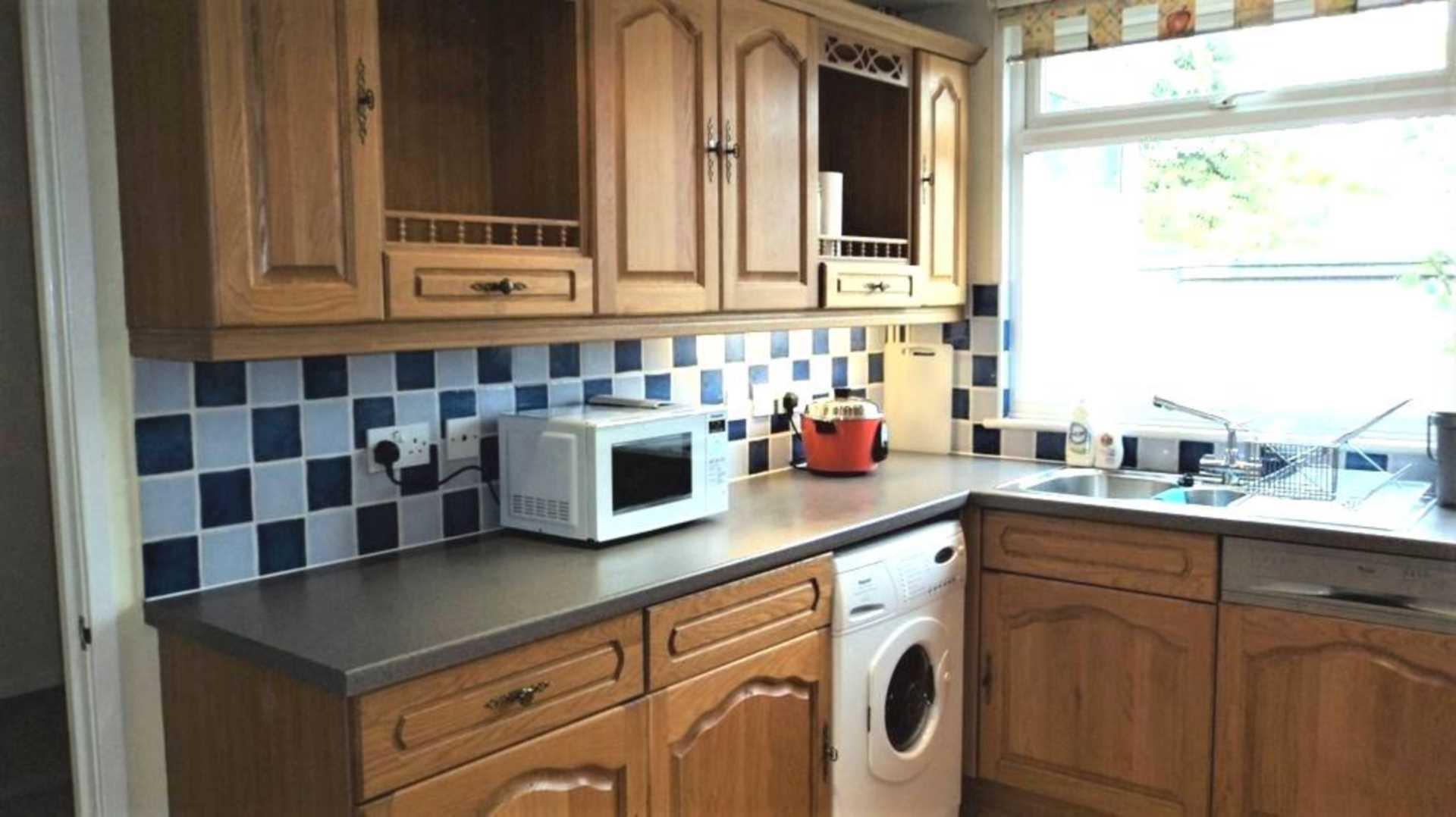 Room 4, 1 Windsor Close, Onslow Village, Guildford, GU2 7QU, Image 5