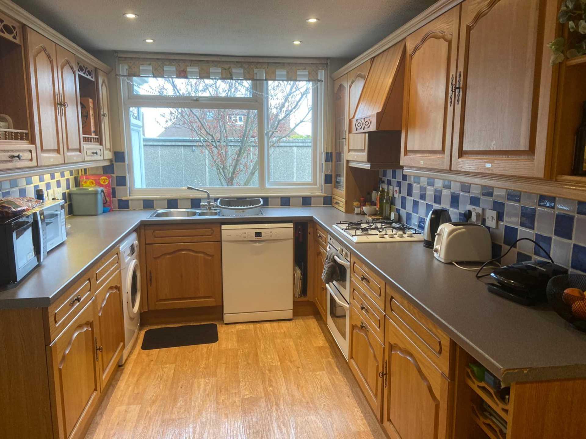 Room 4, 1 Windsor Close, Onslow Village, Guildford, GU2 7QU, Image 8