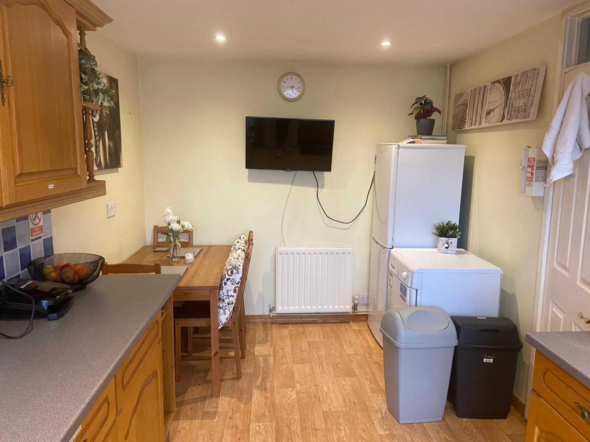 Room 4, 1 Windsor Close, Onslow Village, Guildford, GU2 7QU, Image 9