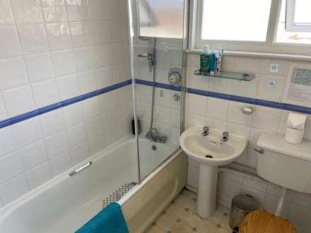 Room 4, 1 Windsor Close, Onslow Village, Guildford, GU2 7QU, Image 12