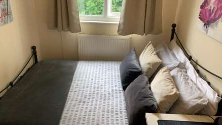 Room 4, 1 Windsor Close, Onslow Village, Guildford, GU2 7QU, Image 3