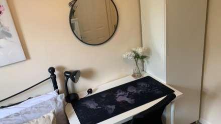 Room 4, 1 Windsor Close, Onslow Village, Guildford, GU2 7QU, Image 4