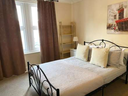 Room 1, 18 RUPERT ROAD, Guildford, GU2 7NE