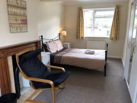 Room 1, 9 Durham Close, Guildford, GU2 9TH