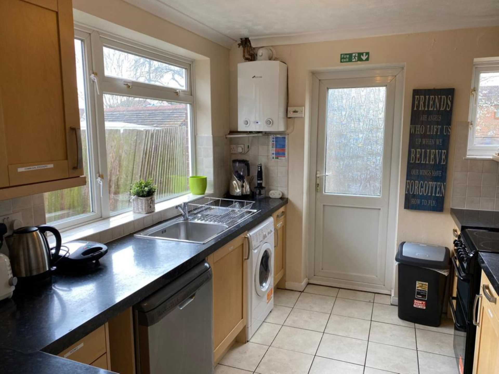 Room 4, Bryanstone Close, Stoughton, Guildford, GU2 9UJ, Image 11