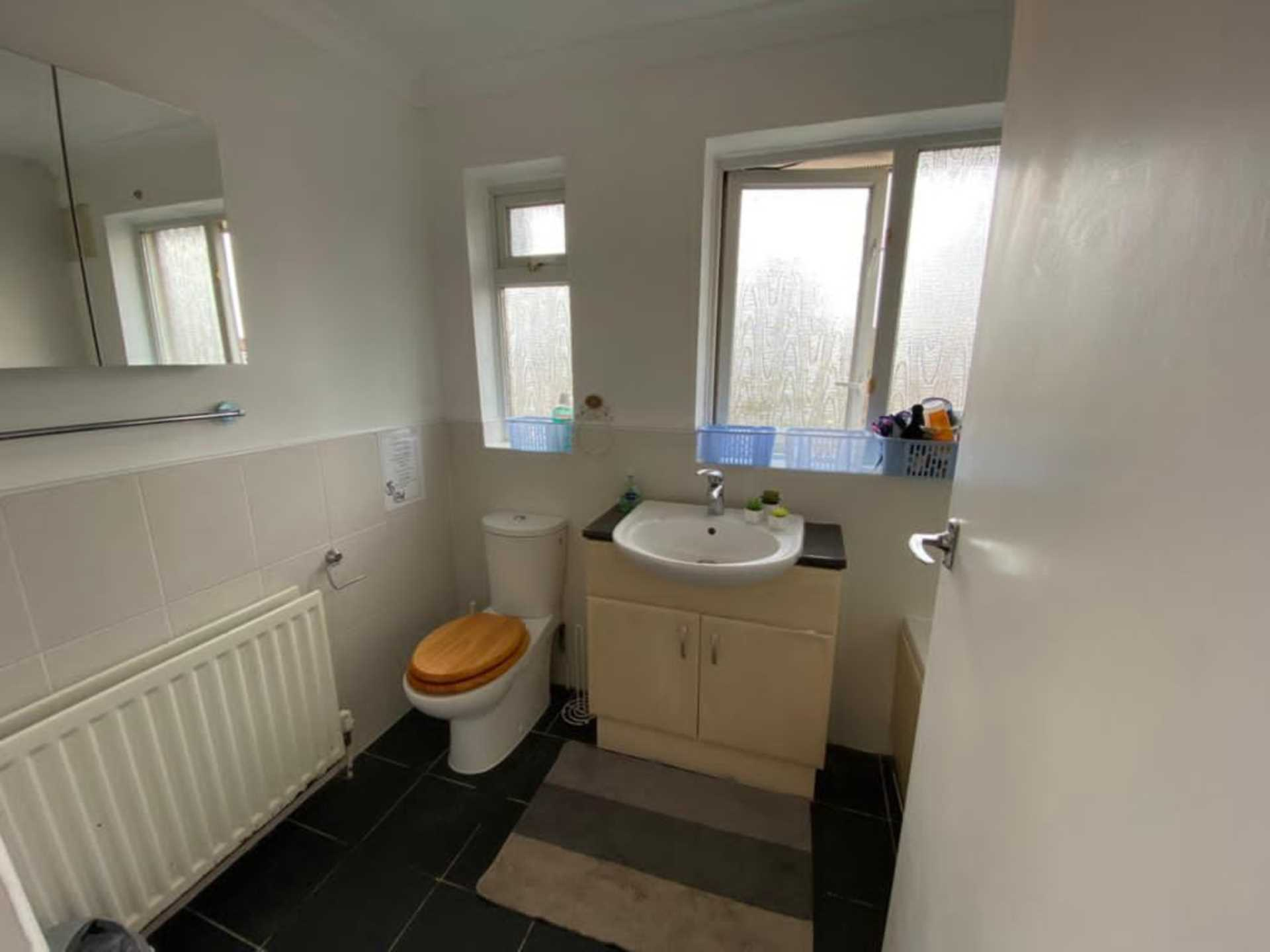 Room 4, Bryanstone Close, Stoughton, Guildford, GU2 9UJ, Image 22