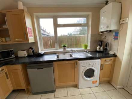 Room 4, Bryanstone Close, Stoughton, Guildford, GU2 9UJ, Image 14