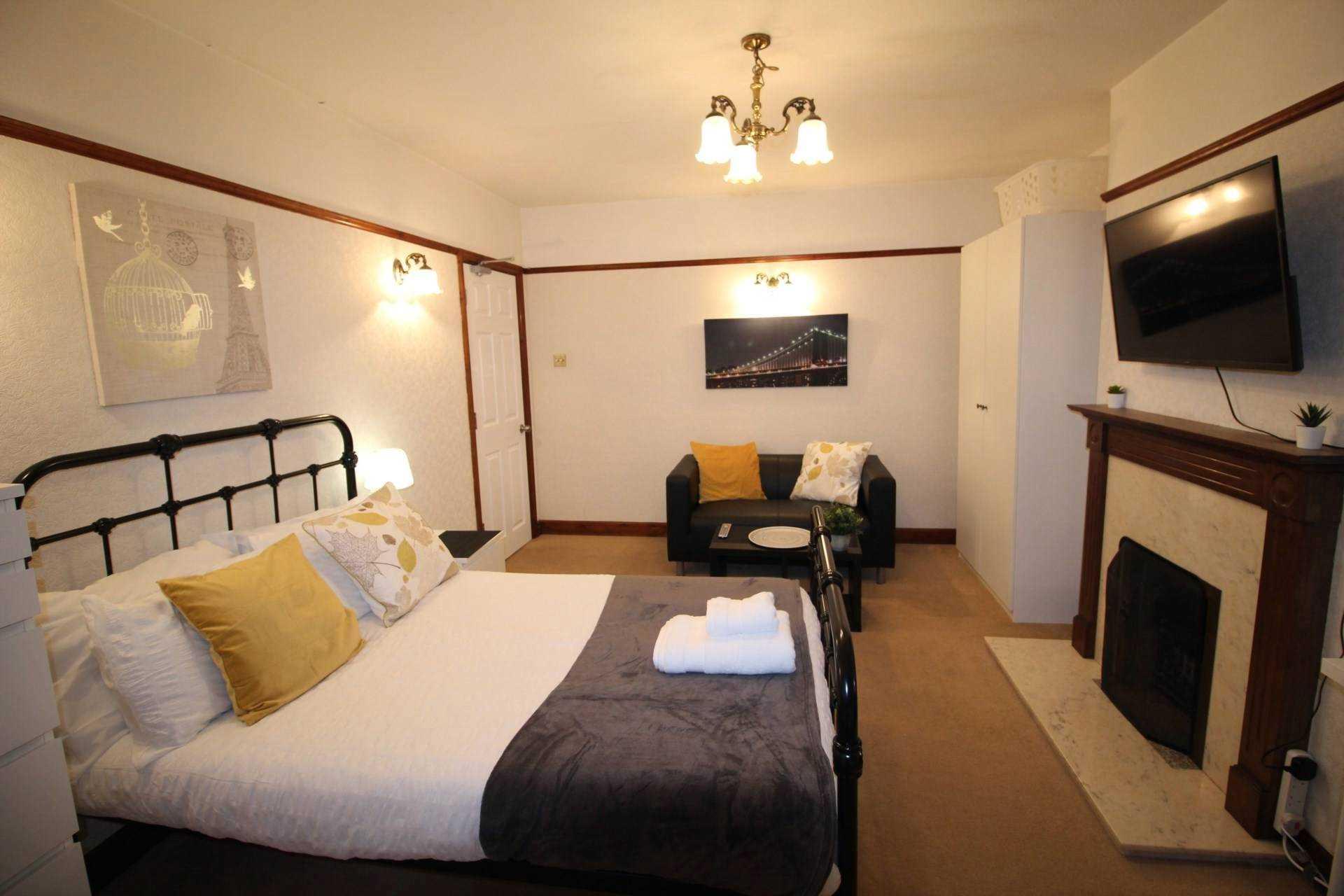 Room 1, Pewley Way, Guildford, GU1 3PX, Image 1