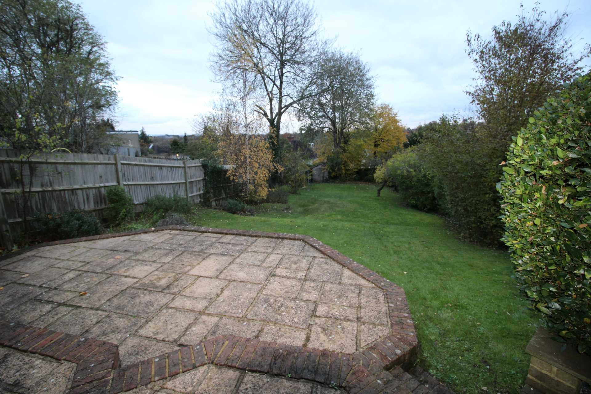 Room 1, Pewley Way, Guildford, GU1 3PX, Image 11