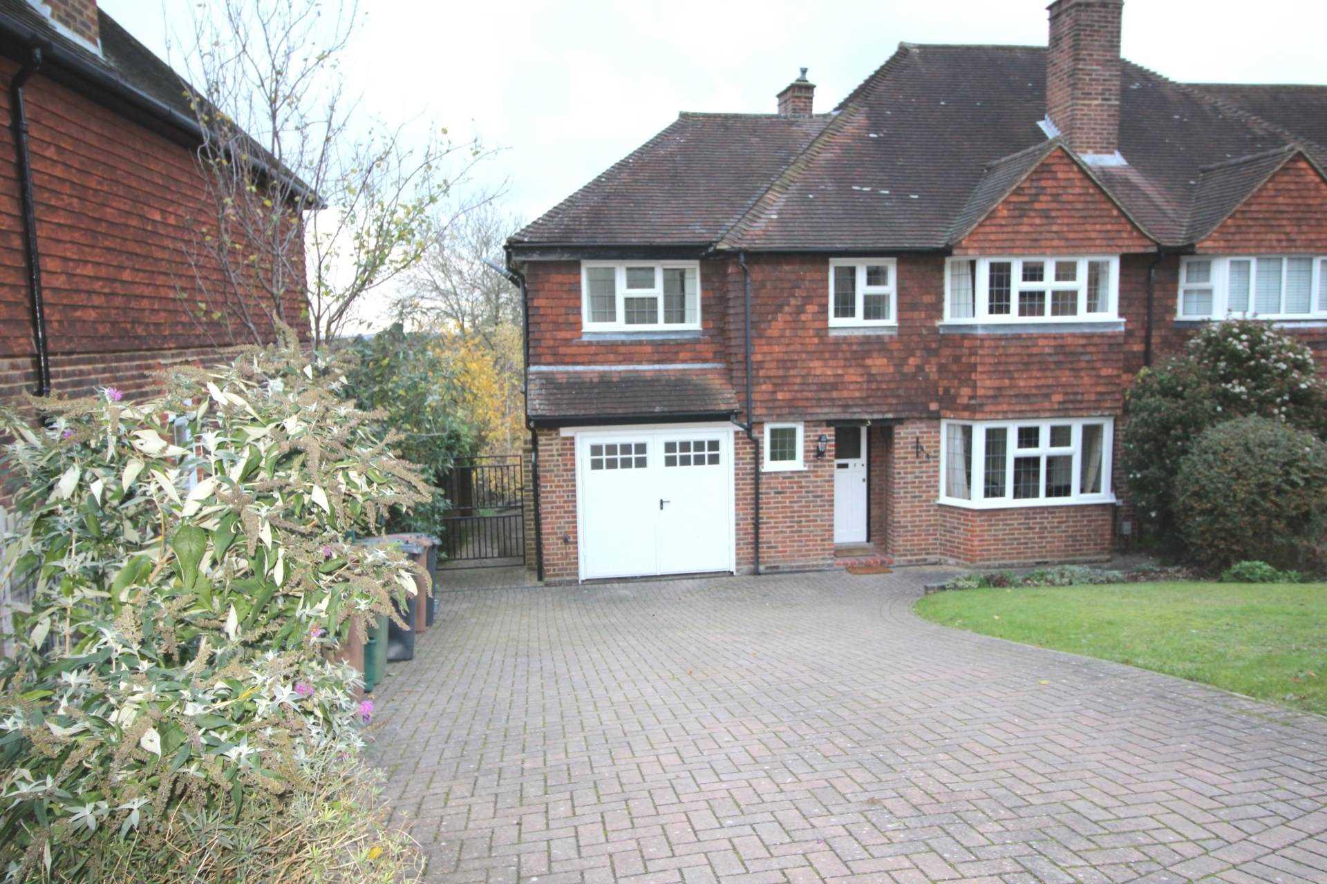 Room 1, Pewley Way, Guildford, GU1 3PX, Image 8