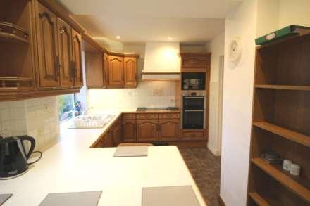 Room 1, Pewley Way, Guildford, GU1 3PX, Image 5