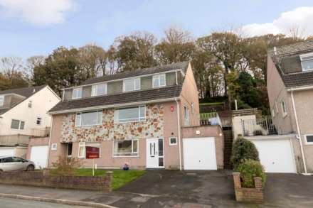 4 Bedroom Semi-Detached, Dunstone View, Plymstock, PL9 8QW