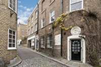 3 Bedroom House, Halkin Mews, Belgravia, London SW1X 8JZ