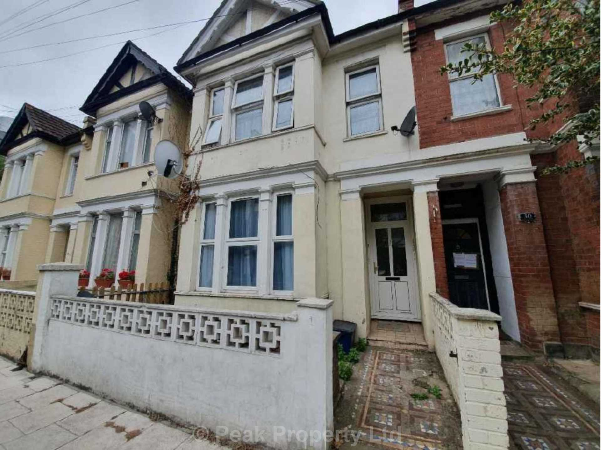 INVESTMENT OPPORTUNITY!  Elmer Avenue, Southend On Sea, Image 1