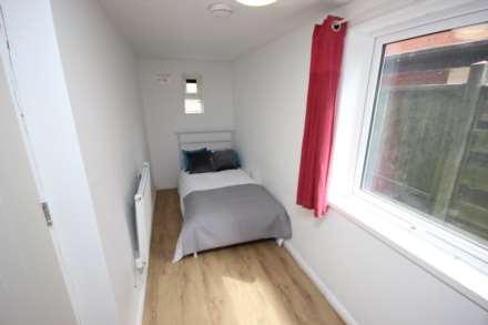 1 Bedroom Room (Double), Fairfield Drive, Bury