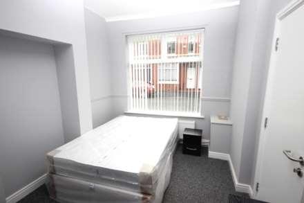 1 Bedroom Room (Double), Romney Street, Salford
