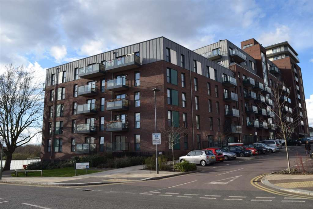 PJW Properties - 1 Bedroom Apartment, Shearwater Drive, West Hendon