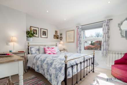 St Peter -  - Exceptional 2 Bedroom Cottage -QUALIFIED, Image 11
