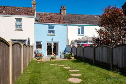 St Peter -  - Exceptional 2 Bedroom Cottage -QUALIFIED, Image 3